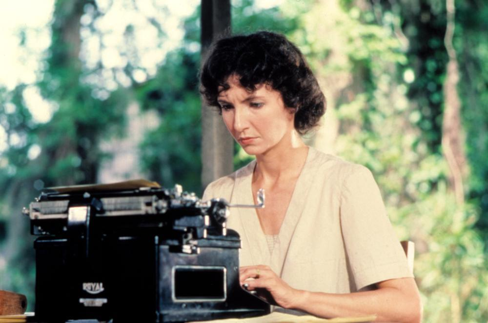 Mary Steenburgen in Cross Creek