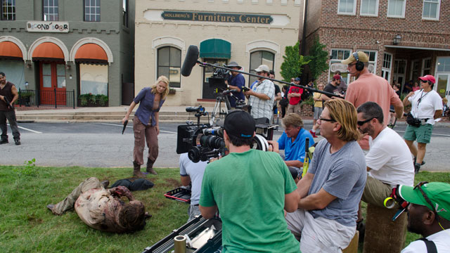 Behind the scenes of Season 3, Episode 9 of The Walking Dead