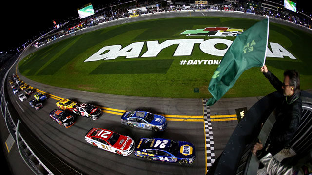 Chase Elliott, driver of the #24 NAPA Auto Parts Chevrolet, leads the field to the green flag to start the NASCAR Sprint Cup Series Can-Am Duels at Daytona International Speedway